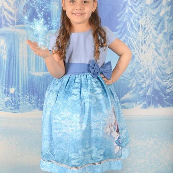 Vestido Temático Frozen Uma Aventura Congelante